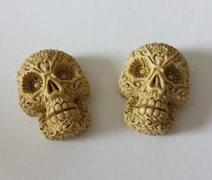 38mm Ivory Beige Resin Flowered Skull Cabochons  by ChaoticBliss