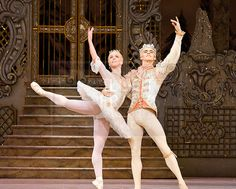 Laura Morera as the Sugarplum Fairy with Federico Bonelli as the Prince in the Royal Ballet's Nutcracker. Photo by Elliott Franks