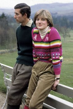 Why Princess Diana Is (Still) Your Style Icon Princess Diana Photos, Princess Diana Fashion, Princes Diana, Fashion Mode, 90s Fashion, Fashion Photo, Fashion Outfits, Style Fashion, Charles And Diana