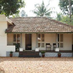 #homestyle #renovatedhome #traditionalhome മരിക്കാൻ മനസ്സില്ല! 122 വയസ്സുള്ള ഈ വീട് മലയാളികൾക്ക് വലിയ ഒരു പാഠമാണ് ... Kerala House Design, Modern House Design, Exterior Design, Interior And Exterior, Kerala Traditional House, Kerala Architecture, Kerala Houses, Spanish Style Homes, My Dream Home
