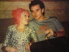 Gavin Rossdale and Gwen Stefani Gwen Stefani Music, Gwen Stefani Mode, Gwen Stefani Style, Gwen Stefani No Doubt, Gavin Rosedale, Gwen And Gavin, Ska Music, Music Icon, Famous Couples