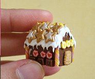 Gingerbread house in 1:12 scale by CDHM Artisan Stephanie Kilgast of PetitPlat.