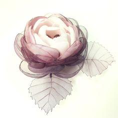 Купить Ежевичный Лёд. Брошь - цветок ручной работы из ткани - комбинированный, ежевичный, розовый, роза
