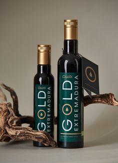 bob agency - Branding & Packaging Gold der Extremadura Label Design, Package Design, Branding Design, Olive Oil Packaging, Olive Oil Bottles, Super Car, Packaging Design Inspiration, Bottle Design, Brand Design