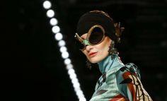 #fashion #fashionweek #berlinfashionweek #berlin #woman #fashionwoman #women Round Sunglasses, Mens Sunglasses, Alexander Mcqueen, Female, Berlin Fashion, Womens Fashion, January 14, Woman, Style