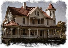 Victorian home in Franklin, Pendleton County, West Virginia... This is a beautiful vintage town.