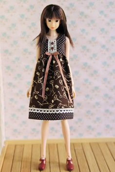 Mori dress for momoko doll, Unoa, Pullip, J-doll, Azone, Licca, Blythe and other dolls