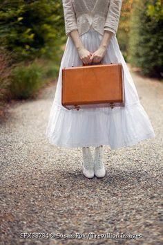 © Susan Fox / Trevillion Images - victorian-woman-with-suitcase