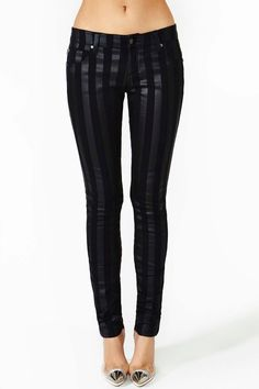 Black Magic Black ON Black Striped Skinny Jeans at Beso | La Beℓℓe ℳystère