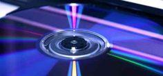 Tout ce qu'il faut savoir sur le format ISO  Le format ISO est une image virtuelle d'un CD/DVD qui ne peut être lu que par un lecteur virtuel ou en le gravant sur le support adéquat. Ce format est pratique pour conserver et protéger les mêmes caractéristiques  du support original. Exemple: si vous avez le DVD de restauration de votre ordinateur vous devriez en faire une copie question prudence ! Mais il n'y a pas grand intêret à refaire une copie physique (un autre DVD) vu que cette copie va…
