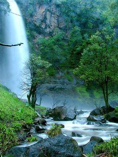 Ogi Waterfall, Bajawa, Ngada | Flores, NTT - Indonesia    By: Baktiar