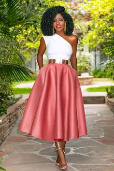 One Shoulder Peplum Top + Mesh Midi Skirt Lila Outfits, Classy Outfits, Skirt Outfits, Chic Outfits, Trendy Outfits, African Inspired Fashion, African Men Fashion, Black Women Fashion, Look Fashion