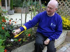GPs devise new treatment to beat depression. It's called gardening - Health News - Health & Families - The Independent
