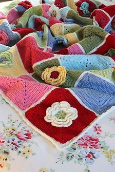 Ravelry: Project Gallery for Waterlily pattern by Jan Eaton