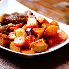 Pita recept, ami házilag is könnyedén elkészíthető Thing 1, Sweet Potato, Pork, Food And Drink, Potatoes, Meals, Vegetables, Healthy, Ethnic Recipes