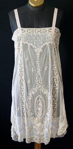 Antique Lace, Vintage Lace, Vintage Dresses, Vintage Outfits, Lingerie Vintage, Lacey Lingerie, Vintage Underwear, Estilo Preppy, Moda Retro