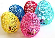 Knutselen met de kinderen voor Pasen Diy Ostern, Easter Crafts, Deco, Eggs, Kindergarten, Book Folding, Simple, Gifts For Birthday, Balloons