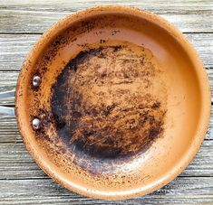 In this post, you will learn how to clean burnt grease from your ceramic pans with ingredients that you have right at home. How to Clean Burnt Grease from Ceramic Pans Affiliate links included. Copper Non Stick Pan, Red Copper Pan, Copper Frying Pan, Copper Pans, Frying Pans, Clean Burnt Pots, Clean Pots, Cleaning Burnt Pans, Cleaning Diy