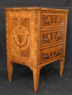 18th Century Northern Italian Chest of Drawers in the Style of G. Maggiolini | From a unique collection of antique and modern commodes and chests of drawers at https://www.1stdibs.com/furniture/storage-case-pieces/commodes-chests-of-drawers/