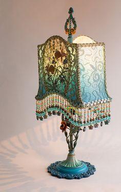 lamp base detail