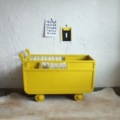 1000 ideas about lit bebe on pinterest cots vertbaudet and parure de lit - Lit roulotte vintage ...