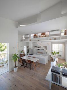 The Corner House in Kitashirakawa by UME Architects (9)