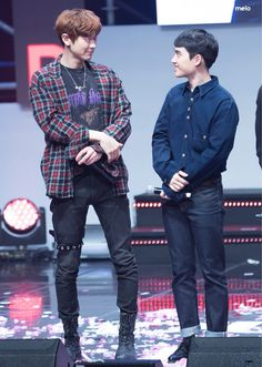 Chanyeol and D.O chansoo Kyungsoo, Kaisoo, Park Chanyeol, Chanbaek, K Pop, Homo, Exo Couple, Exo Concert, Xiuchen