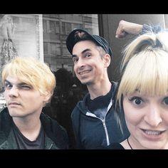 (Source: hifromchantal, via tumblr)   2014 Blonde Gerard Way, Chantal Claret, Jimmy Urine