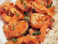 Aprende a preparar camarones a la mexicana con esta rica y fácil receta. Calentar el aceite en una sartén grande y saltear la cebolla y los ajos durante 2 minutos,...