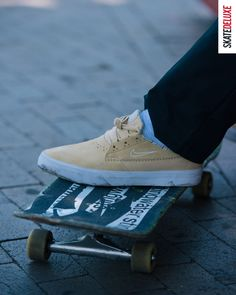 Stripes - a new colorway of the Nike SB Shane. Order your pair now #skatedeluxe #SK8DLX Skate Shoe Brands, Skate Shoes, Nike Sb, Nike Zoom, New Skate, Shoe Releases, Converse, Vans, Herringbone