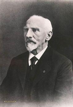 Christiaan Snouck Hurgronje (Oosterhout, 8 februari 1857 – Leiden, 26 juni 1936) was een Nederlands arabist en islamoloog.