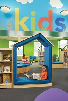 a virtual tour of the Kenosha Public Library where vibrant colors, soft seating and serpentine landscapes create rejuvenating environment for kids. Library Furniture, School Furniture, Kids Furniture, Bedroom Furniture, Kindergarten Interior, Kindergarten Design, School Library Design, Kids Library, Soft Seating