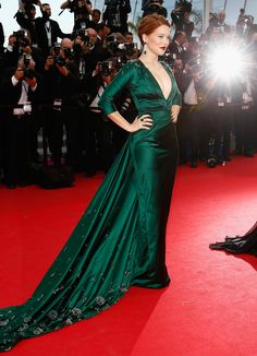 Lea Seydoux rocked the red carpet in a bejeweled emerald Prada gown   40+ more looks from #Cannes 2014