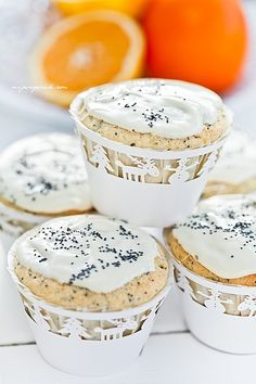 Orange cupcakes with poppy seed and white chocolate frosting Orange Cupcakes, Sweet Cupcakes, White Chocolate Frosting, Those Recipe, Truffles, Cake Recipes, Sweet Tooth, Sweet Treats, Yummy Food