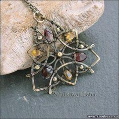 1 pendentif harmonieux et féminin en forme de fleur