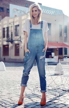 Street Style Spotlight: 25 Stylish Women Who Will Make You Reconsider Overalls love them!