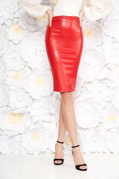 StarShinerS red pencil skirt from ecological leather, form-fitting, back zipper fastening, elastic fabric