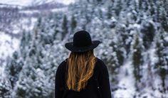 Schonend die Haare pflegen im Winter