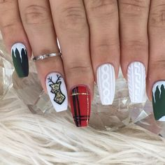 "2,029 Likes, 25 Comments - Stephanie Loesch (@_stephsnails_) on Instagram: ""O' Deer those are some Christmas AF nails ❤️ @kiaraskynails [Hush Hush] green and red [Danger]…"""