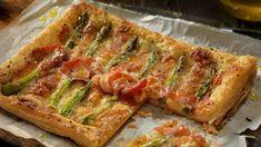 A spárga ideális alapanyag, annyira finom, hogy nagyon kevés hozzávalóval is isteni ételt lehet belőle készíteni. Quiches, Tarte Fine, Fruits And Vegetables, Meatloaf, Mozzarella, Zucchini, Cake Recipes, Bacon, Sandwiches