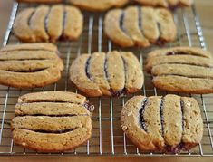 5 Peanut Butter & Jelly Recipes - Back to school time makes me want kid food.