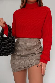 Order the Fashion Influx Red Rib Roll Neck Crop Jumper from In The Style. Girly Outfits, Cute Casual Outfits, Grunge Outfits, Outfits For Teens, Stylish Outfits, Classy School Outfits, Red Outfits For Women, Style Grunge, Grunge Look