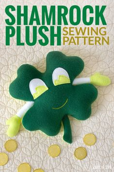 Make a stuffed shamrock plush with my free sewing pattern and tutorial. Animal Sewing Patterns, Stuffed Animal Patterns, Sewing Patterns Free, Free Sewing, Plush Pattern, Pattern Paper, St. Patrick's Day Diy, Diy Beauty Projects, Sewing Projects