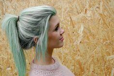 Seafoam-colored hair. LOVE. THIS. UGH.