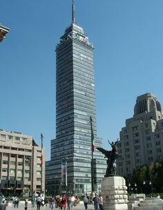 La Torre Latino Americana en el Distrito Federal de Mexico. Uno de los tantos rincones asombrosos de la capital de #Mexico.