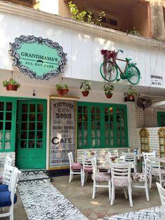 Grandmama's Cafe, Dadar..... A great addition to Dadar. Very sweetly done place.... Congratulations team  @grandmamascafe  #Mumbaistyle #heartfuljourneys #bethejourney #exploremore #mumbaidiaries #Dadar #cafe #beautifullife