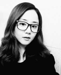 Moon Geun Young is Korea's beloved little sister. Moon Geun Young, Moon Chae Won, Womens Glasses, Little Sisters, Pretty Woman, That Look, Princess, My Style, Cute