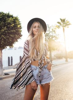 Nelly hat / Verge girl top / Levis shorts / Jennie-Ellen shoes | Janni Delér