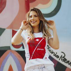 Camiseta Escol(h)as - Feminina - Branca Ideias Fashion, Look, Crop Tops, T Shirt, Women, Ladies T Shirts, Block Prints, Women's, Supreme T Shirt