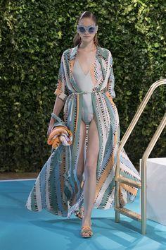 Emilio Pucci Spring 2018 Ready-to-Wear Fashion Show